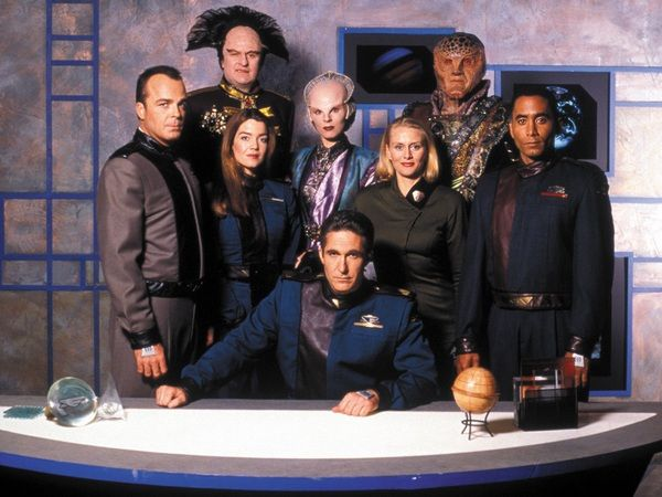 Jerry Doyle, Claudia Christian, Peter Jurasi, Mira Furlan, Michael O'Hare, Andrea Thompson, Andreas Katsulas i Richard Biggs - Babylon 5