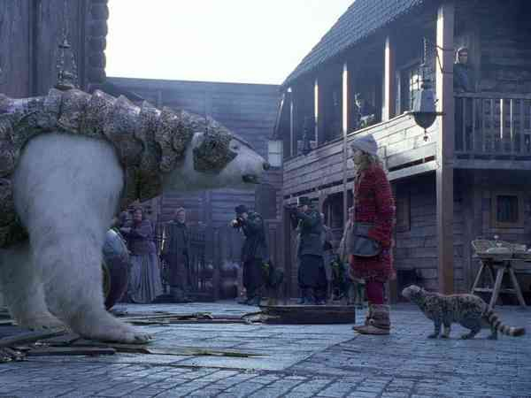 CGI Iorek Byrnison i Dakota Blue Richards - The Golden Compass